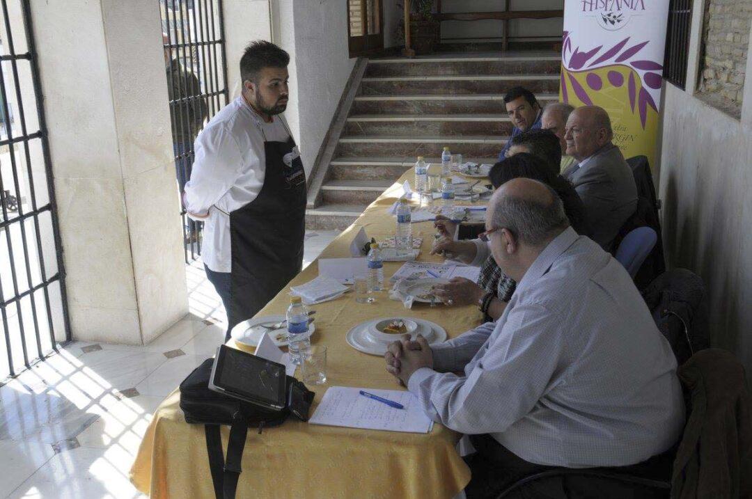 El chef Juanjo Ruiz protagonizará un 'showcooking' en el Certamen de Bacalao de Castro del Río